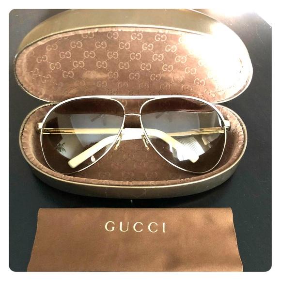 9be1e1d547b Gucci Accessories - Gucci Aviator Sunglasses